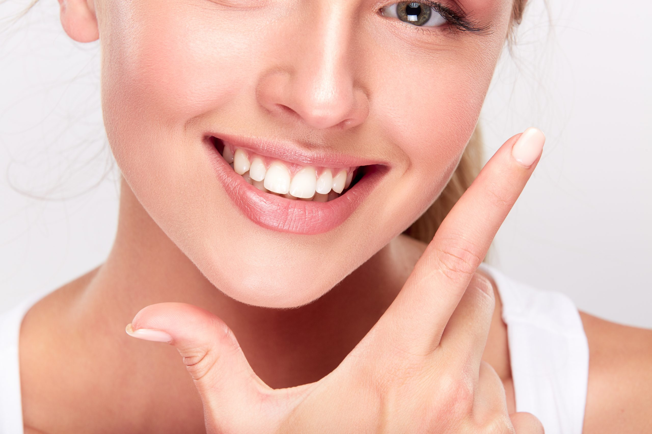 Gummy Smile Makeover - Dental Health Check, Gum Sculpting, Tooth Contouring & Whitening